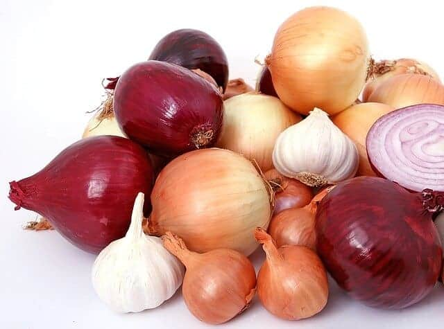 Onion juice helps to grow the hair and stop falling