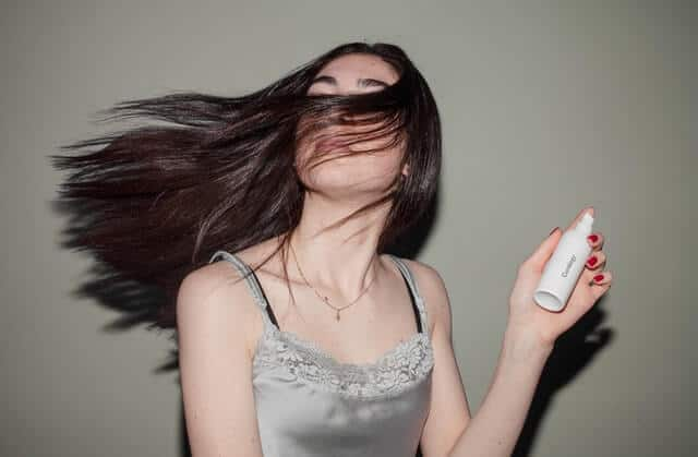3 of the Best Root Lifting Spray for Fine Hair Available 8