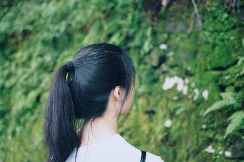 Why Does My Hair Get Greasy After A Day? 5 Certain Reasons You Should Know! 9