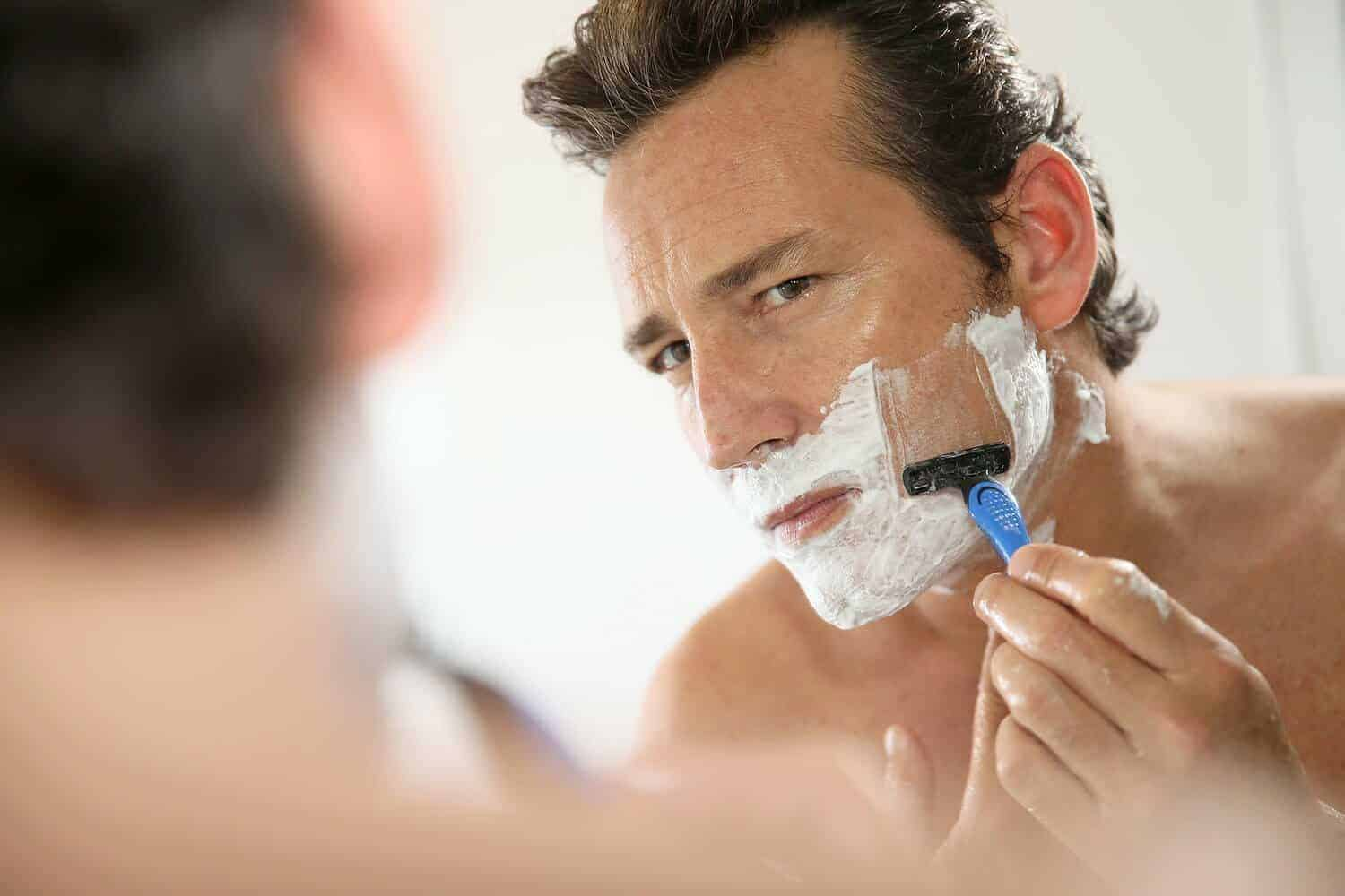 Best Razor For Sensitive Skin Face: 5 Picks for Close and Comfy Shaving Experience 1