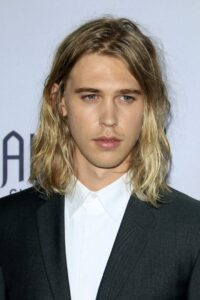 Men's long hairstyles for fine straight hair — 6 Trendy Styles For You! 3